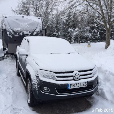Fifth-wheel-in-snow-min